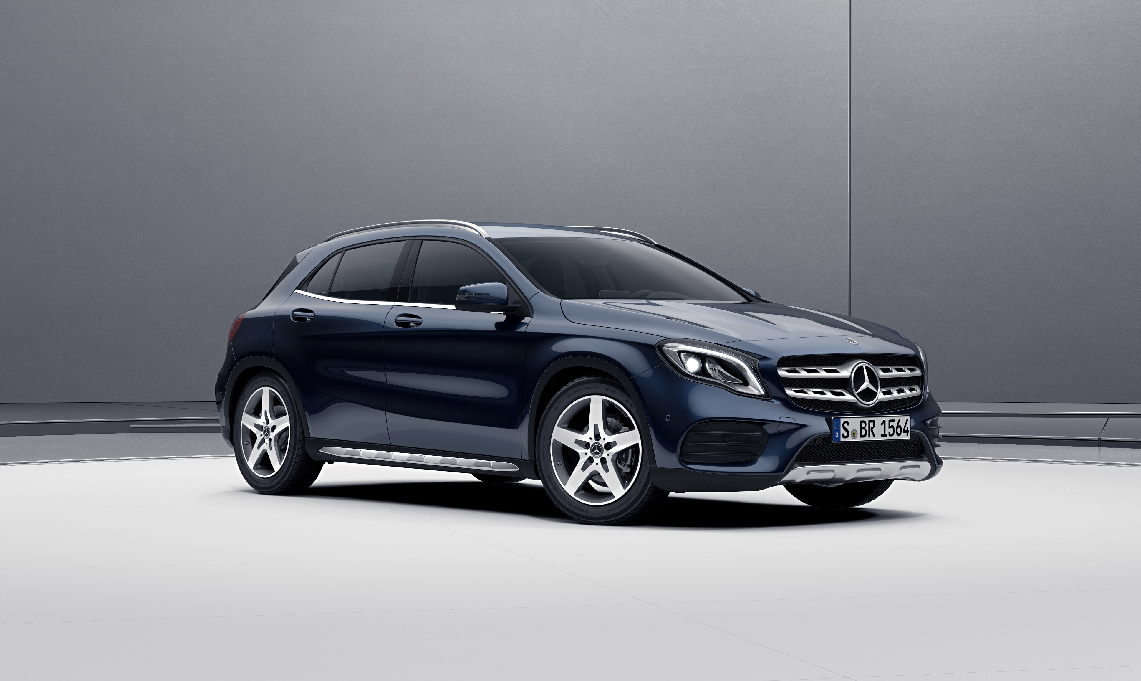 New 2017 mercedes benz gla gla45 amg suv in north for Mercedes benz north vancouver